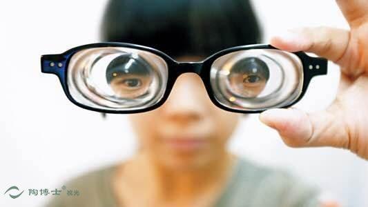 近视-视光知识之高度近视眼的危害